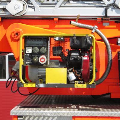 Rechte Fahrzeugseite: Stromerzeuger